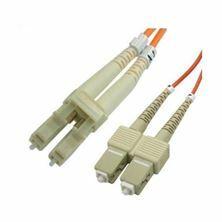 Optični kabel MM OM2 2m oranžen Leviton